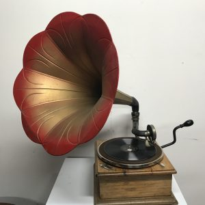 sold Horn Gramophone 1910 oak cased art Antique Collectibles