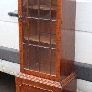 1960s Mahogany 1 Door China Cabinet Antique Antique Cabinets
