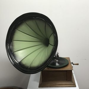 Horn Gramophone oak cased 1914 grand tour Antique Collectibles
