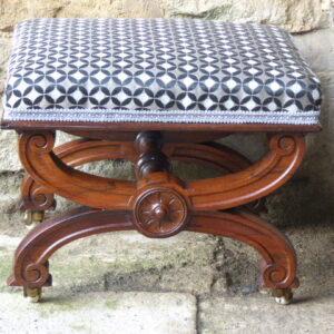 Rosewood stool by Mackenzie & Mitchell Edinburgh – circa 1850 rosewood Antique Stools