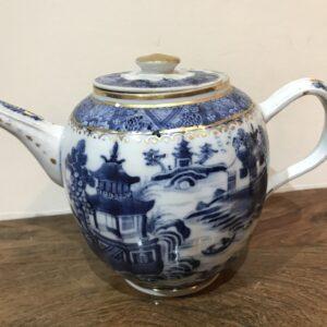 Chinese 18th century teapot Antique Ceramics