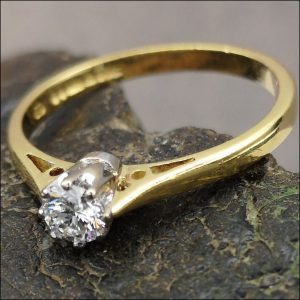 18ct Gold Diamond 0.20ct Solitaire Ring Antique Jewellery