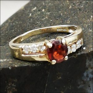 9ct Gold Garnet & Diamond Ring (gold677081) Antique Jewellery