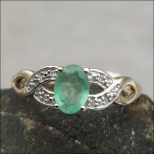 9ct Gold Emerald & Diamond Ring Antique Jewellery
