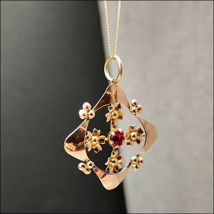 9ct Edwardian Rose Gold and Garnet Pendant with Chain Miscellaneous