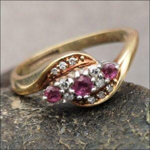 18ct Gold Diamond & Almandine Garnet Ring Antique Jewellery
