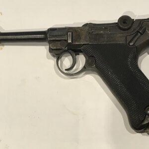 """1920 Model of """" Luger """" Antique Guns, Swords & Knives"""
