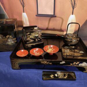 Lacquered sake and bento set bento Antique Boxes