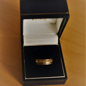 A Vintage 9ct White & Yellow Gold Wedding Ring – Boxed A B Necklace Antique Rings