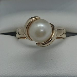 Vintage 9ct Gold Cultured Pearl Ring Cultured pearl Antique Jewellery