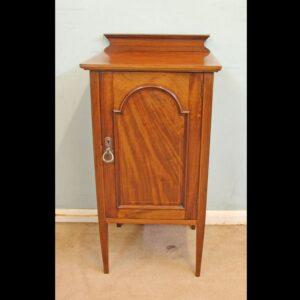Antique Edwardian Mahogany Inlaid Cabinet.