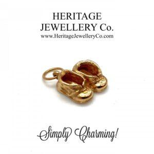 Beautiful Vintage 9ct Gold Charm – Boots / Booties / Shoes bracelet Antique Jewellery